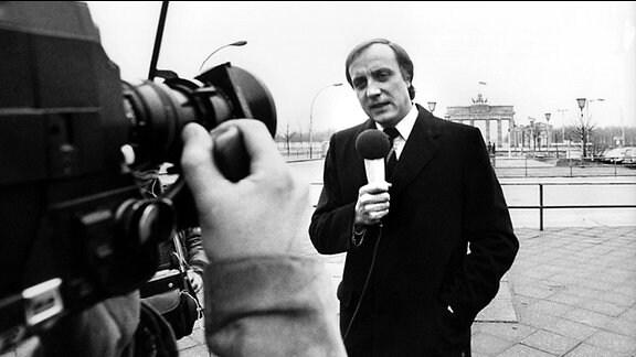 Fritz Pleitgen als ARD-Korrespondent in Ost-Berlin