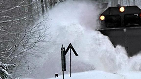 Lok im Schneetreiben
