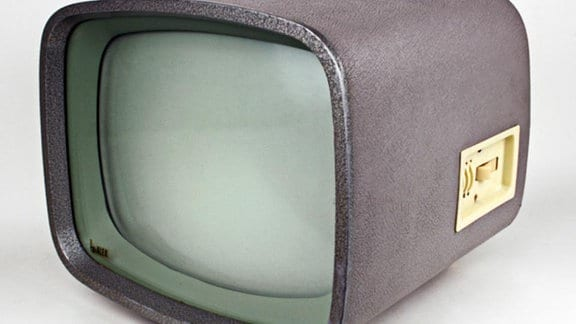 Fernsehgerät Alex Hersteller: VEB Stern-Radio Berlin, 1958 Design: Horst Giese, Jürgen Peters (Studienarbeit an der Hochschule für bildende und angewandte Kunst Berlin, 1957); Betreuer: Rudi Högner