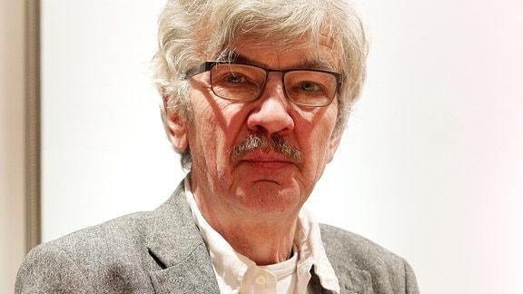 Schriftsteller Christoph Hein beim MDR FIGARO- Lese-Cafés am 28.02.2013 in Leipzig.