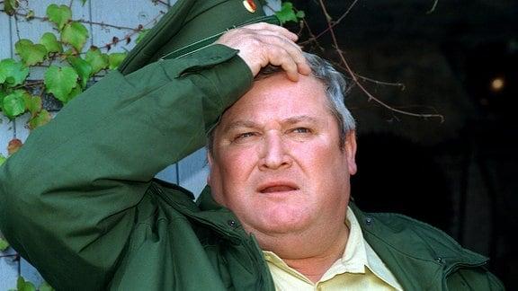"""Der Schauspieler Horst Krause, aufgenommen 1998 während Dreharbeiten zur Krimireihe """"Polizeiruf 110""""."""