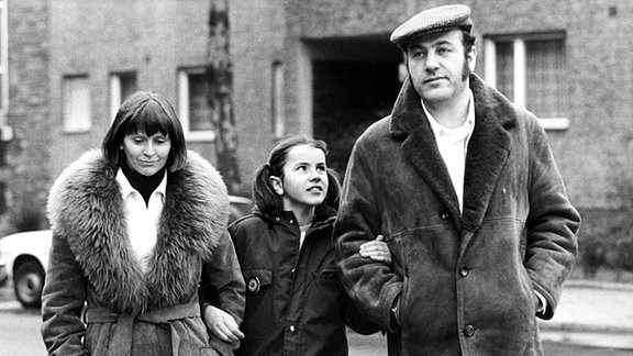 Manfred Krug mit Familie nach der Ausreise.