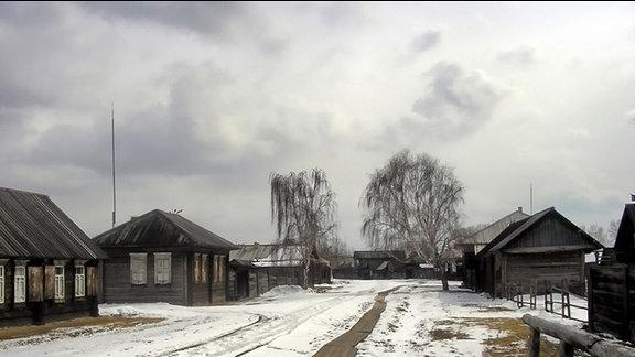 Eine Ansiedlung in Sibirien