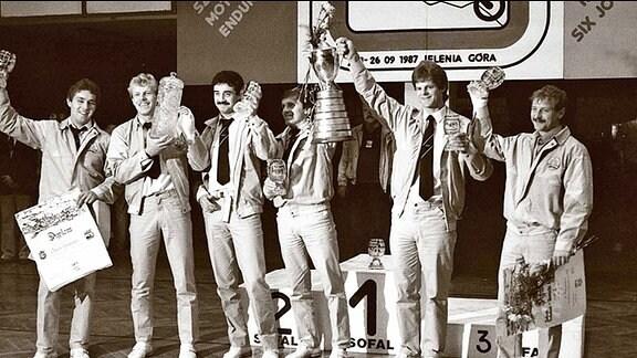 Letzter Trophy-Sieg für die DDR bei den Six Days 1987 – von links: Reinhard Klädtke, Uwe Weber, Jens Grüner, Harald Sturm, Jens Scheffler und Jens Thalmann