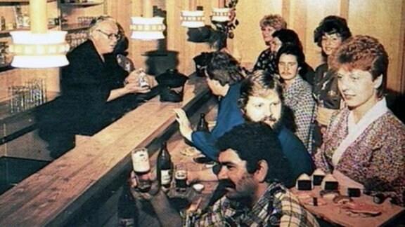 """Blick ins Restaurant """"Waffenschmied"""""""