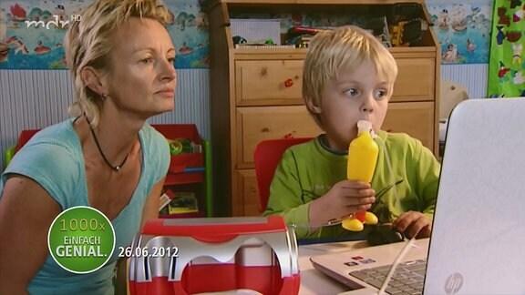 Kind macht einen Atemtest