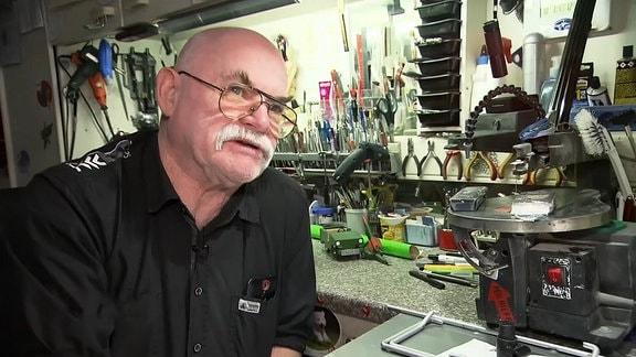 Erfinder Peter Strunk in seiner Werkstatt
