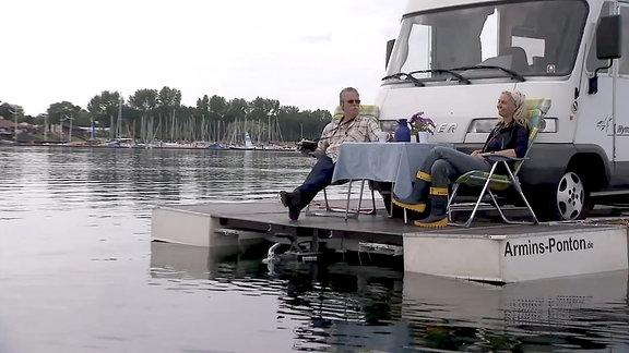 Schwimmendes Wohnmobil