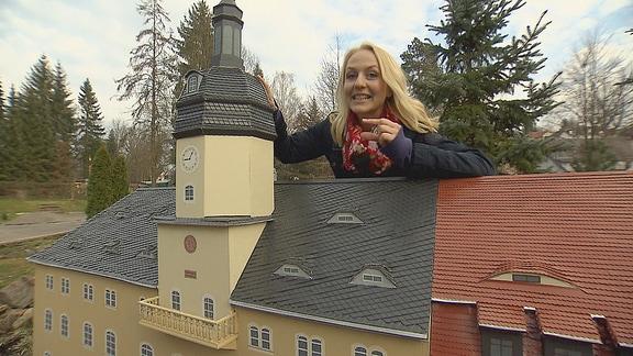 """Henriette Fee Grützner im Miniaturpark """"Klein-Erzgebirge"""" in Oederan"""
