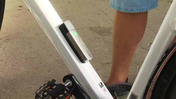 Anti-Diebstahl-System am Rahmen eines Fahrrads