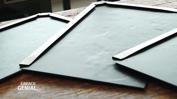 eine Dachplatte zum Selbstverlegen