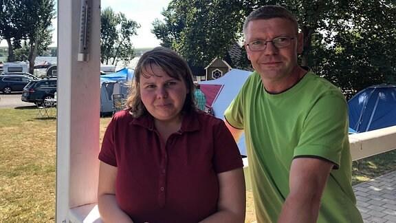 Kristin Günther als gute Seele es Campingplatzes mit Bruder Torsten als neuem Platzwart