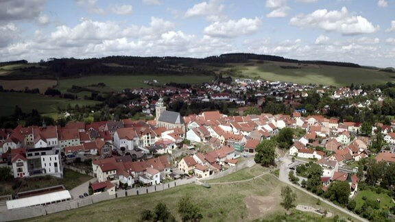 Luftaufnahme eines Ortes