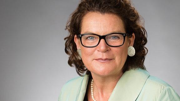 Prof. Dr. Claudia Brözel Tourismus-Ökonomie und -marketing, Hochschule für Nachhaltige Entwicklung Eberswalde
