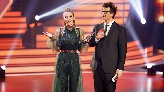 Victoria Swarovski und Daniel Hartwich in der 10. Live-Show der 12. Staffel der RTL-Tanzshow Let s Dance im MMC Coloneum.