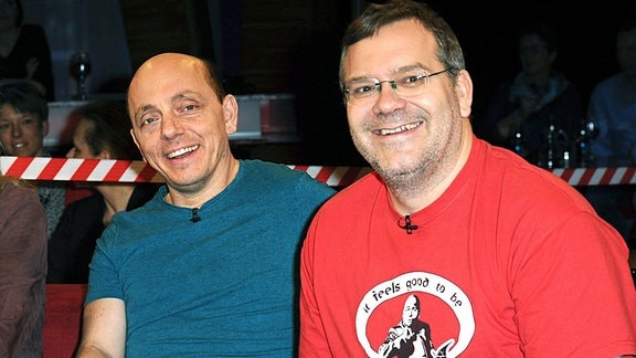 Saskia Fischer, Bernhard Hoecker und Elton bei der Aufzeichnung der TV-Sendung NDR Talk Show.