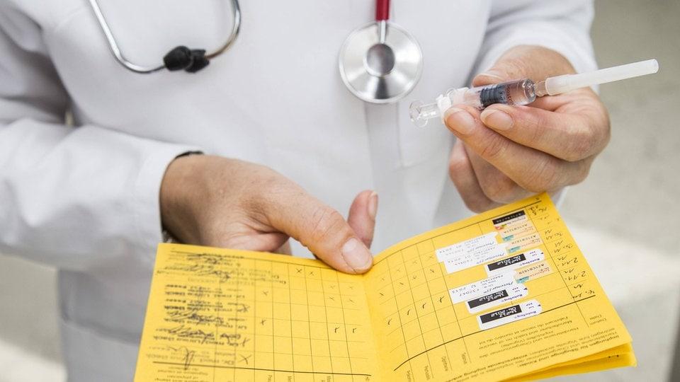 22 Ermittlungen zu gefälschten Impfausweisen in Sachsen