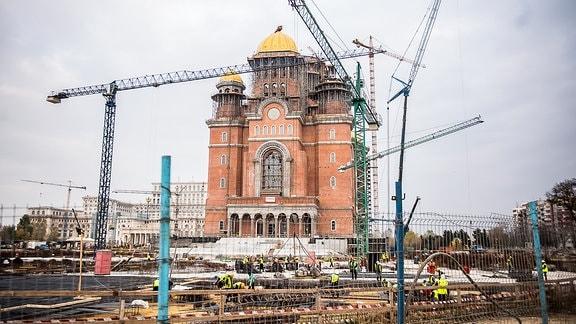 Kathedrale der Erlösung des Volkes in Bukarest Nordwestliche Außenansicht