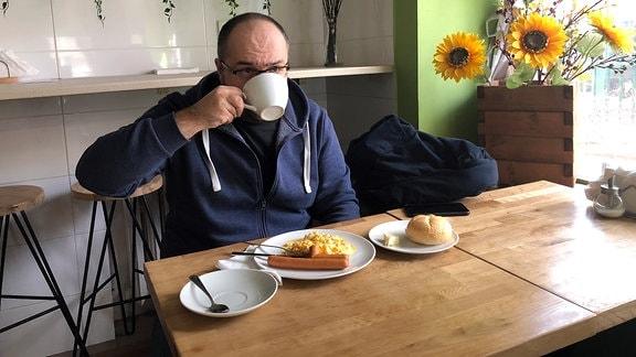 Impression aus einer Milchbar in Warschau