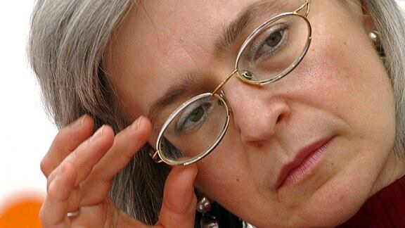 Journalistin Anna Politkowskaja anlässlich der Leipziger Buchmesse, 2005 in Leipzig.