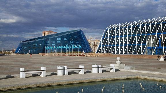 Shabyt Palast der Künste und Palast der Unabhängigkeit in Astana.