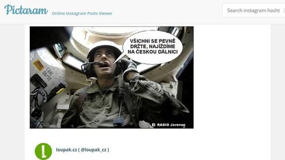 Soldat in einem Panzer