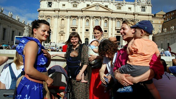 Polnische Mütter gegen Kahlschlag beim Papst