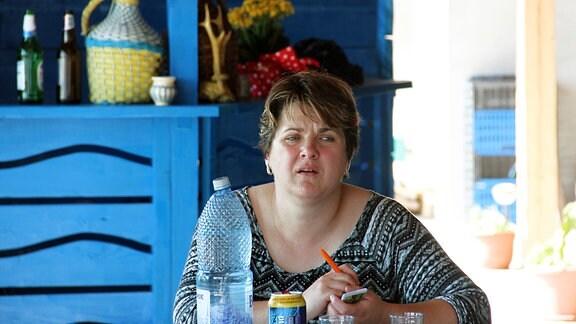 Dan Hancerencos Frau Florentina in ihrer kleinen Gastwirtschaft