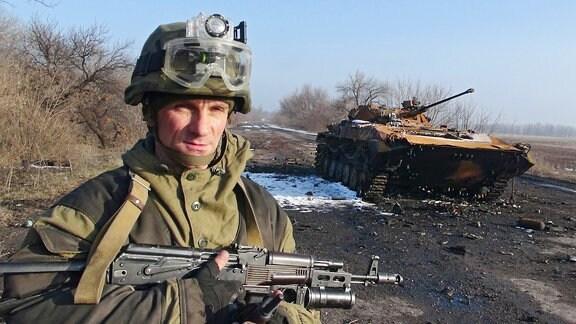 Das Bild stammt von Februar 2015. Hier eine Straße im Donbass, zwischen Vuhlehirsk und Debaltseve.