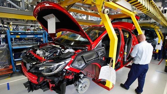Opel Produktionsstrecke in Polen