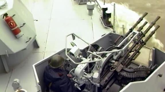 Rumänien 2002: Donauflotte übt für NATO-Beitritt