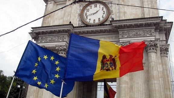 Die EU-Fahne hängt in der Republik Moldau an jeder staatlichen Institution.
