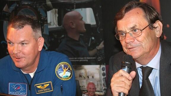 Der russische Kosmonaut Alexander Samokutjajew und Raumfahrt-Journalist Gerhard Kowalski