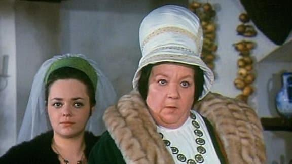 Die böse Stiefmutter mit ihrer Tochter