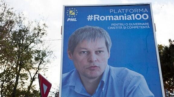 Der rumänische Premier Dacian Ciolos auf einem Wahlplakat
