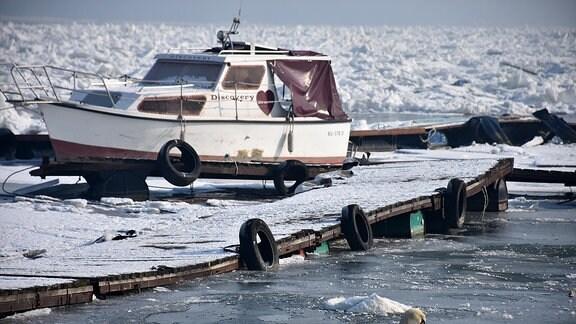 Ein Boot auf der Donau