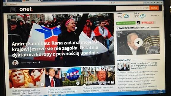 Computerbildschirm mit dem polnischen Internetportal onet.pl