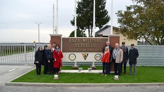 Polnische Gemeindevertreter aus Slupsk bei ihrem Besuch im rumänischen Deveselu, mit rumänischen Gemeindevertretern.
