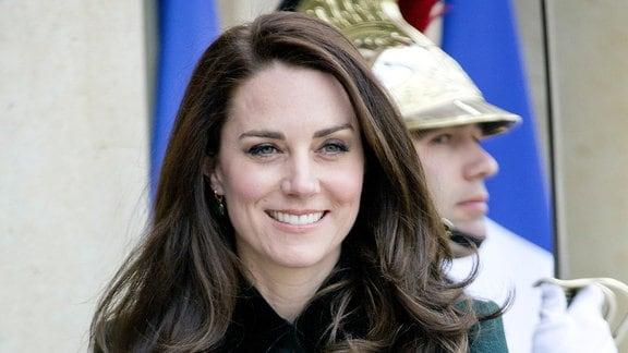 Kate Middleton mit einer Handtasche aus Polen