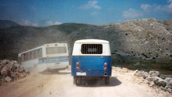 Der Bus mit den Kindern -Fahrt aus der Stadt 1992