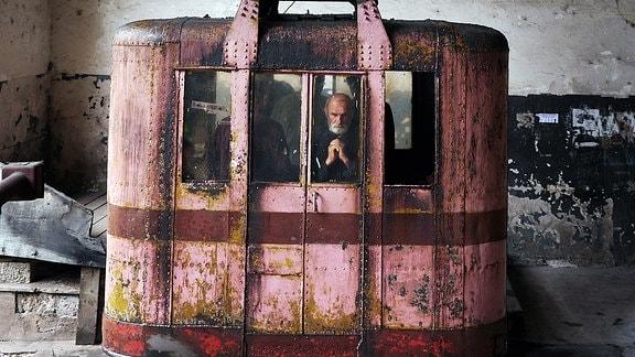 Gondel stammt aus den 1950er-Jahren. Die Seilbahn in Tschiatura war die erste in der Sowjetunion.