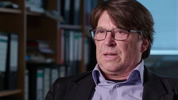 Dr. Christian Booß