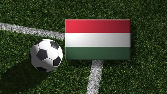 Die ungarische Flagge mit einem Fussball