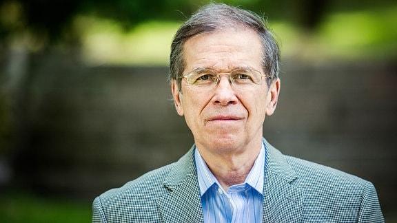 Der Politikwissenschaftler Kestutis Girnius hält die Angst der Litauer vor einem russischen Angriff für übertrieben.