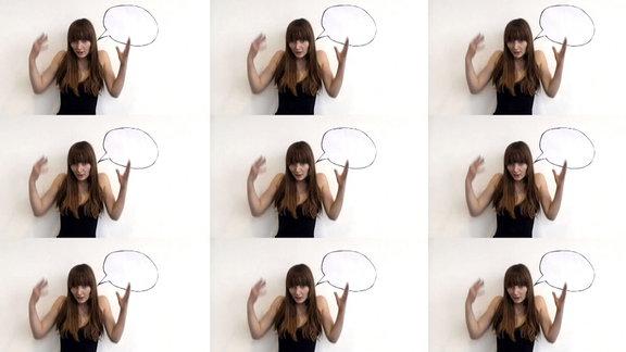 Serielle Darstellung einer estikulierenden Frau mit Sprechblase