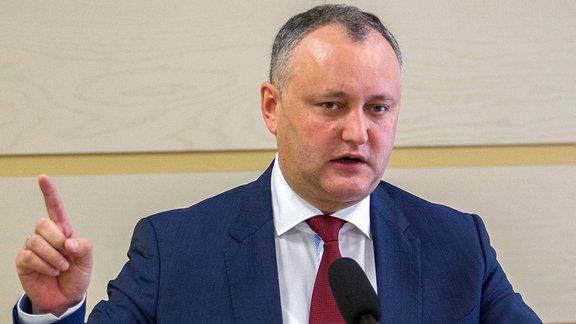 Der Vorsitzende der Sozialistischen Partei in Moldau, Igor Dodon, spricht am 03.03.2016 in Chisinau.