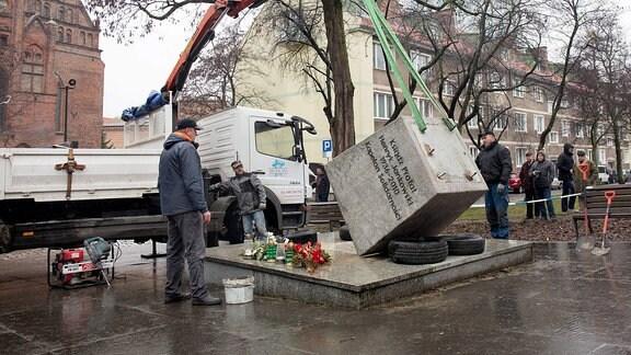 Jankowski Denkmal Sturz Polen