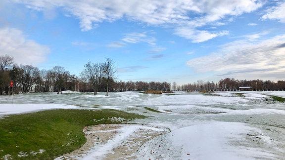 Verschneiter Golfplatz auf Janukowitsch-Anwesen.