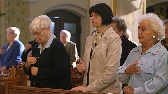 Gottesdienst in polnischer Kirche.