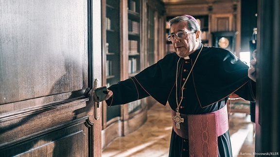 Szene aus dem Film Klerus